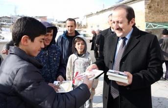 Vali Pehlivan Mutlu'da vatandaşlarla buluştu