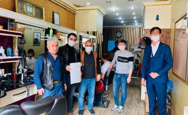 AK Parti Gençlik Kolları'ndan Berberlere Önlük, Havlu ve Maske