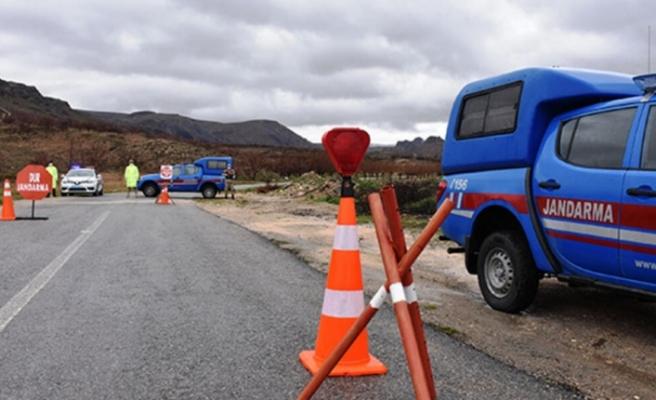 Bayburt'un Aydıntepe ilçesinde bir köy, yeni tip koronavirüs (Kovid-19) tedbirleri kapsamında karantinaya alındı