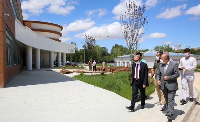 Vali Cüneyt Epcim Yeni Devlet Hastanesi İnşaatında İncelemede Bulundu