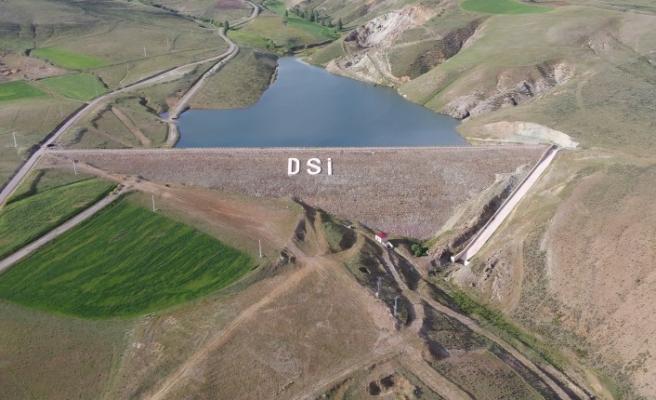 Demirözü Sulama Projesi ile kuru tarım arazileri suya kavuştu