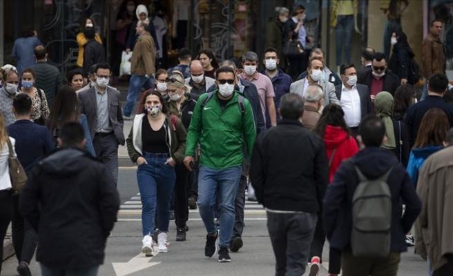 Tüm İllerde Yoğun Cadde, Sokak ve Durak gibi Alanlarda Sigara İçmek Yasaklandı
