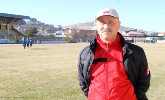 Bayburt Özel İdarespor da Teknik direktör Topuzoğlu ile yollar ayrıldı