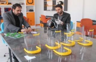 Bayburt Bilim Sanat Merkezi yüz koruyucu siper üretimine...