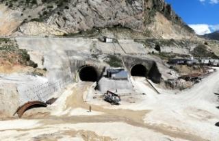 Kop Tüneli'ndeki Kazı işleminin yüzde 58'i...