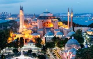 'Ayasofya'da İbadetin Yolu Açıldı