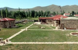 Dönemin Köy Meydanı Müzede Canlandırılıyor