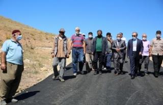 Manas Köyü Tarihinde İlk Defa Köy İçi Asfalt...
