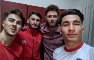 Demirözüspor'dan Sivaspor'a 4 transfer