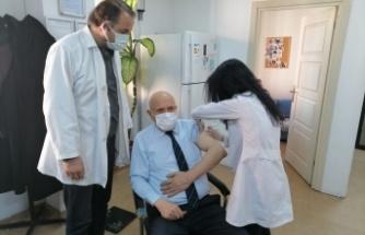 Başkan Pekmezci Covid-19 Aşısının İlk Dozunu Yaptırdı