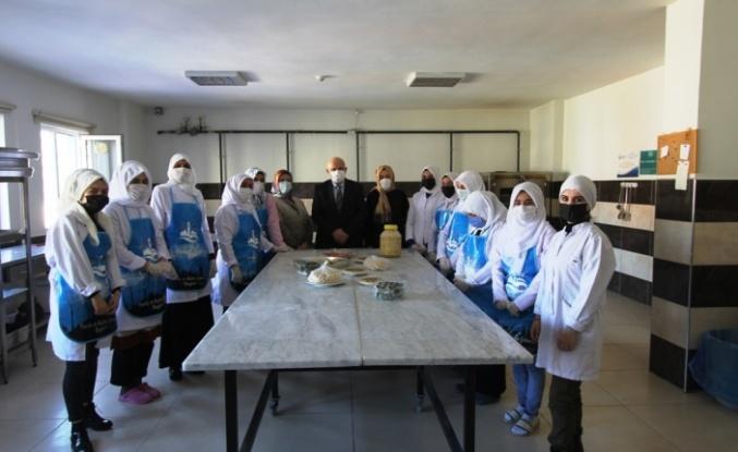 Bayburt Belediyesi Aile Yaşam Merkezi Eğitim Kursları Devam Ediyor