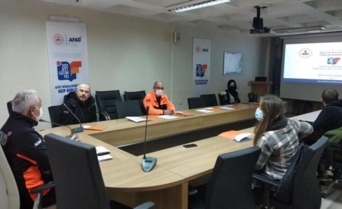 Bayburt İl Afet ve Acil Durum Müdürlüğü'nde basın mensuplarına bilgilendirme toplantısı yapıldı